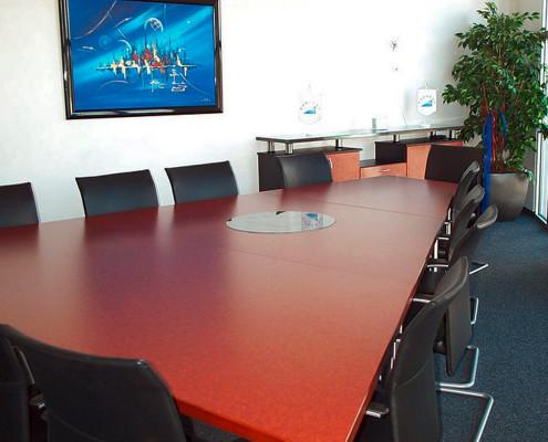 Erweiterbare Konferenzmöbel